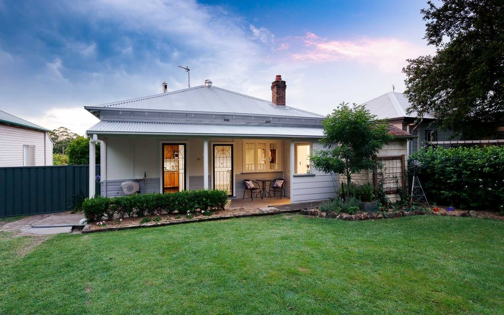 Character-rich renovated weatherboard home in central location