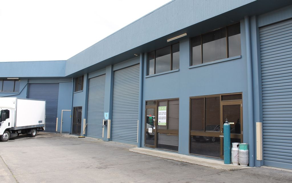 Clean Office & Warehouse in TOP Location