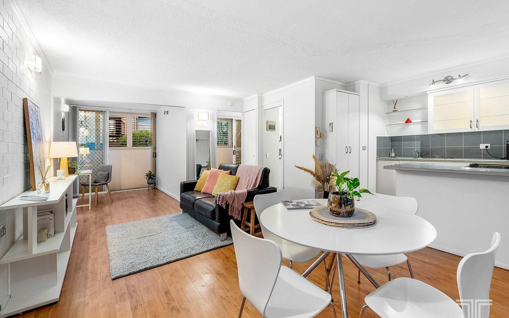 Inner-City Lifestyle in a Secure and Quiet Complex