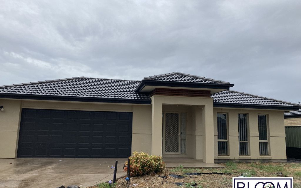 A Family home in the heart of wyndham vale