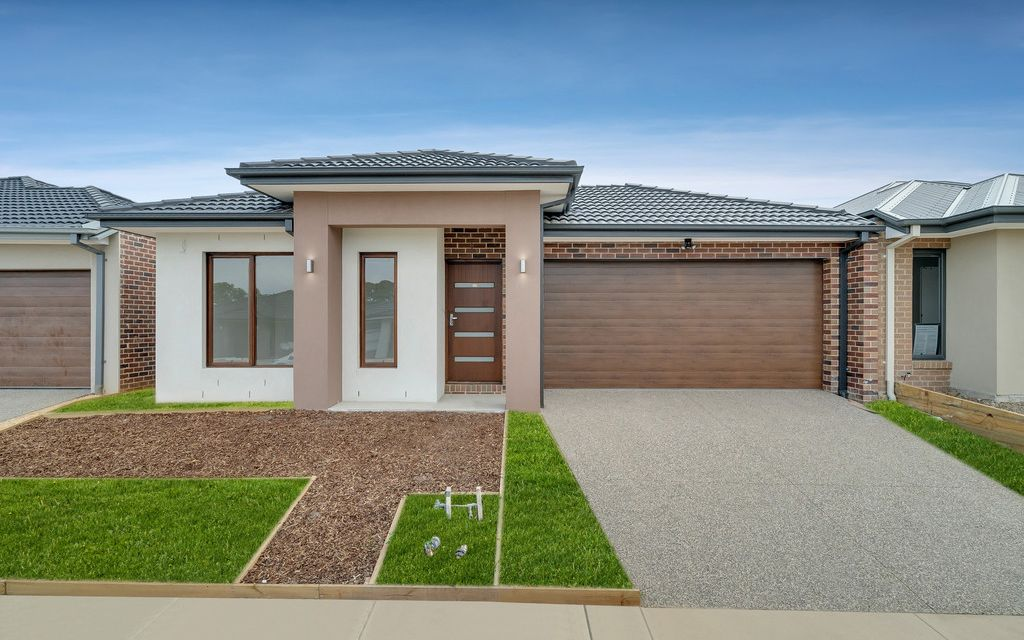 Brand New Home in Charlemont Rise !!