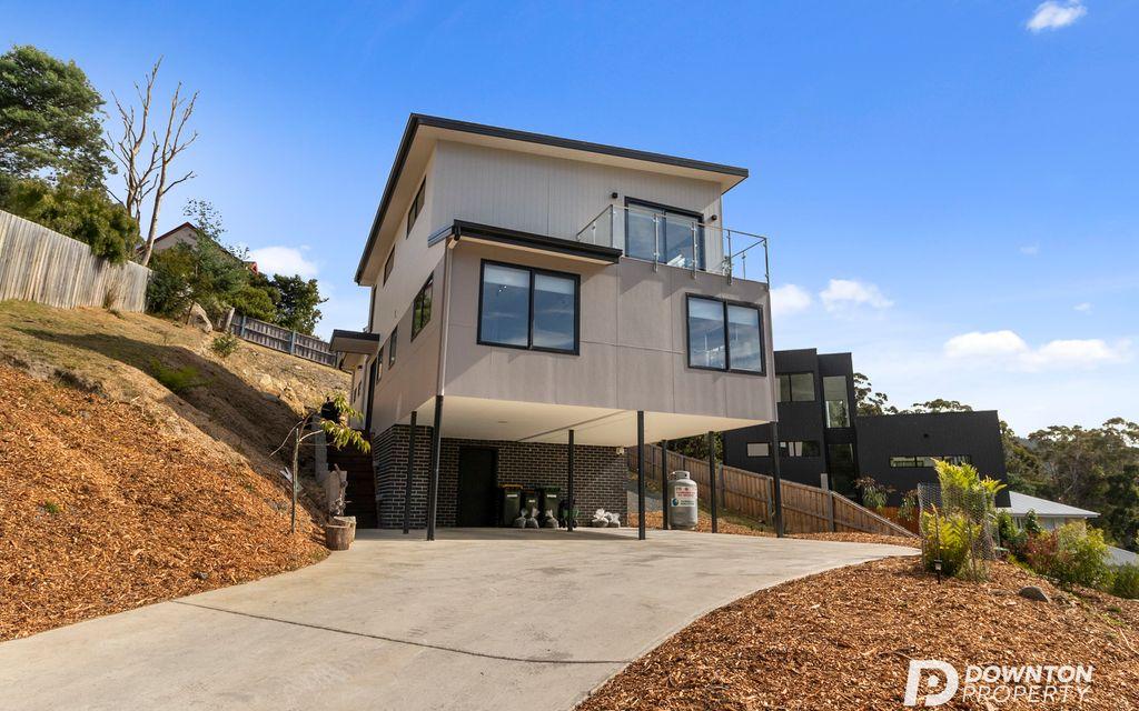 Prestigious Family Home in Outstanding Location
