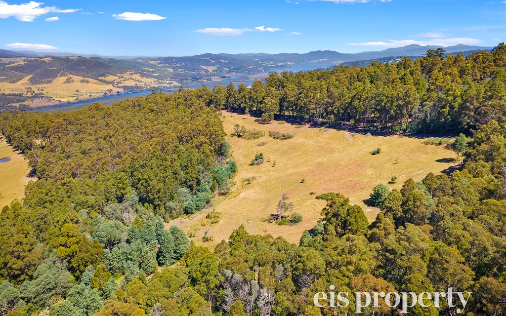 An oasis, minutes to Huonville