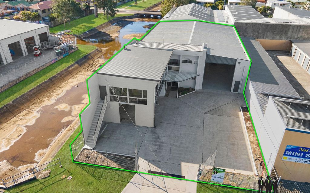 HUGE Freestanding Industrial Unit + Hardstand in Sought After Location