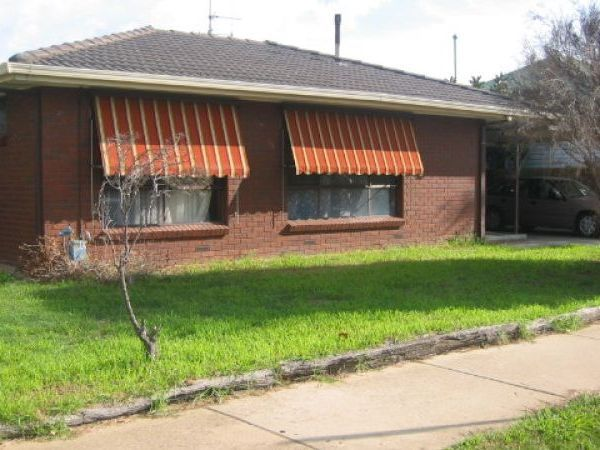 2 BEDROOM – MIDDLE OF SHEPPARTON