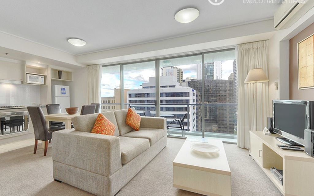 Vibrant & Modern Executive Apartment (fully furnished)