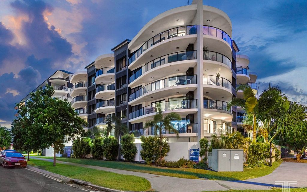 Boutique Bayside Living