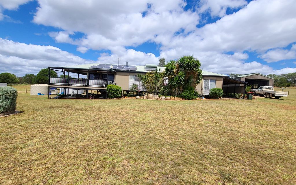 A Country Escape With Two Homes on Five Acres – Great Views!