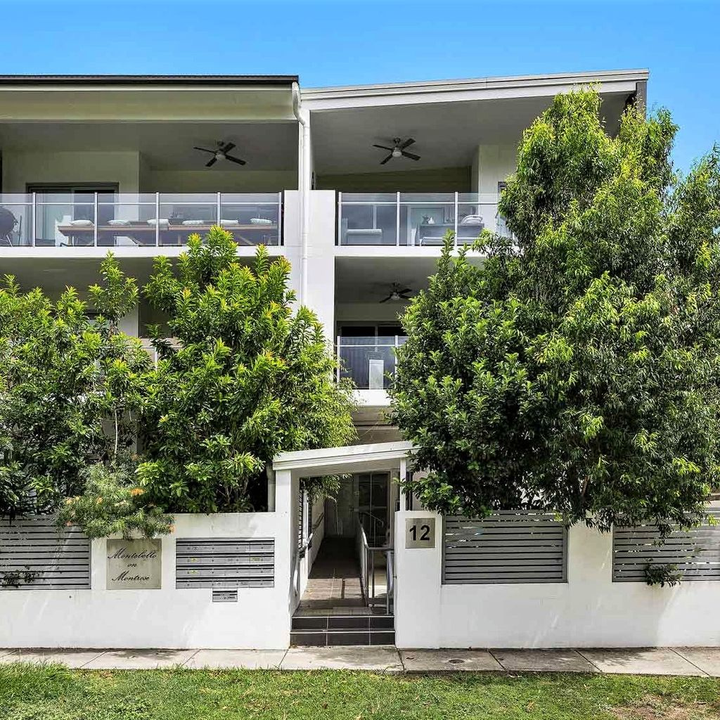 Perfectly Positioned Taringa Entertainers Delight  – Offers over $465,000