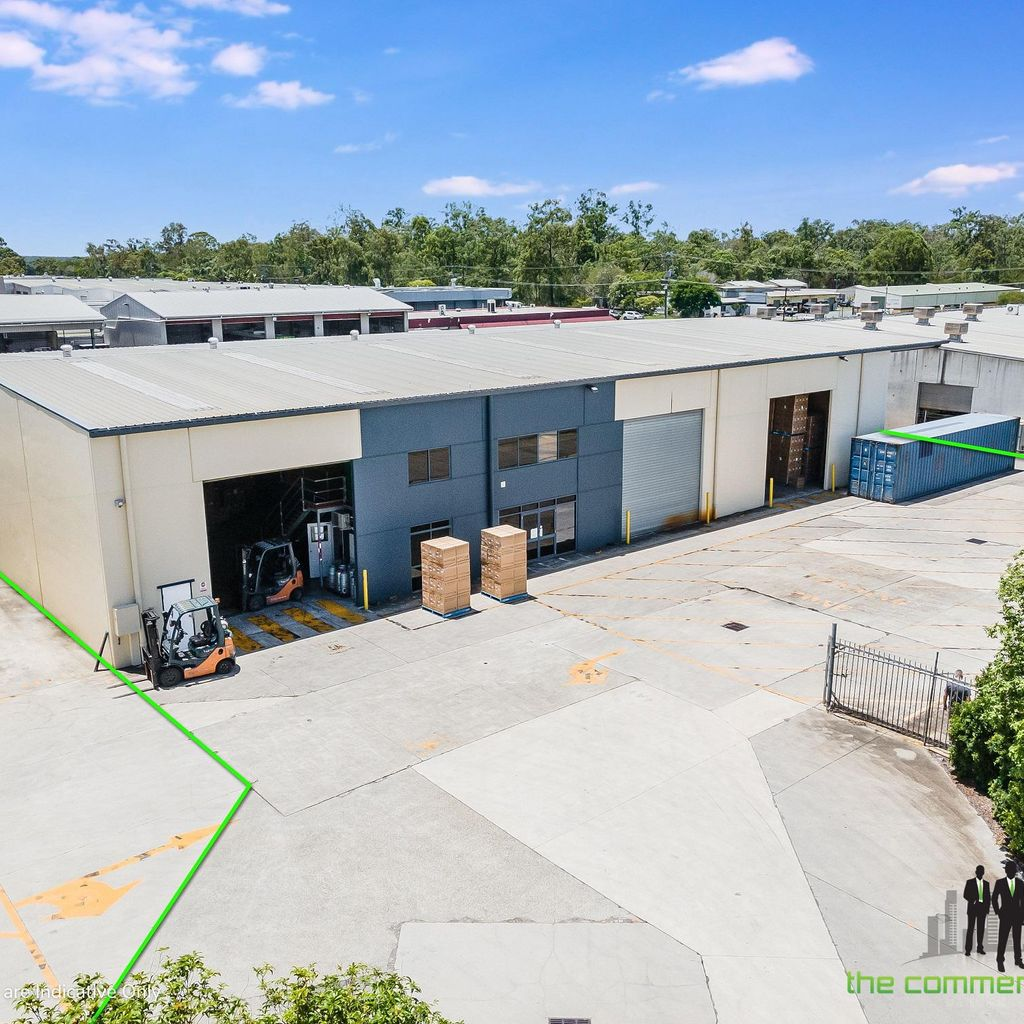 1000 M2 Freestanding Warehouse with Easy Access & Large Set Down Area
