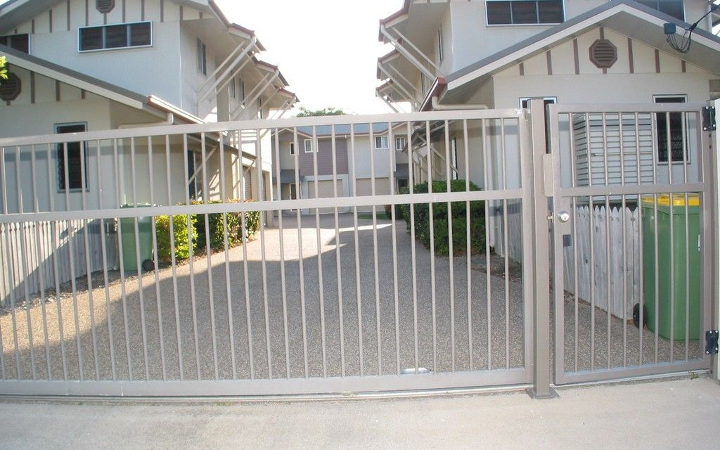 Townhouse in Gated Complex!