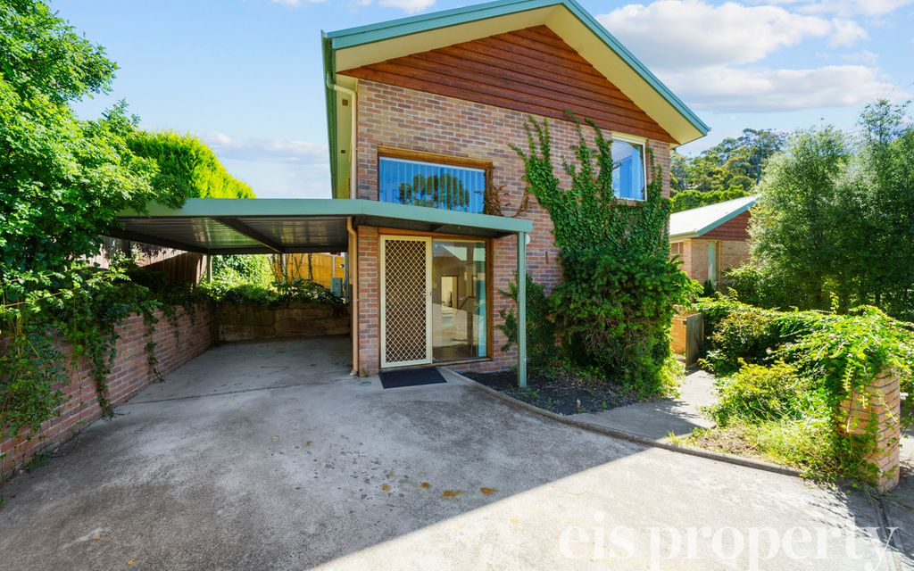 Superb South Hobart Townhouse