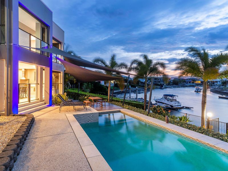 Perfect waterfront family home – Genuine 5 bedrooms + 5 bathrooms