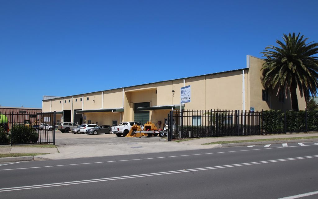 SILENT AUCTION- ALL OFFERS TO BE SUBMITTED BY 4PM FRIDAY 12TH OF MARCH As New Concrete Panel Warehouse with High Clearance