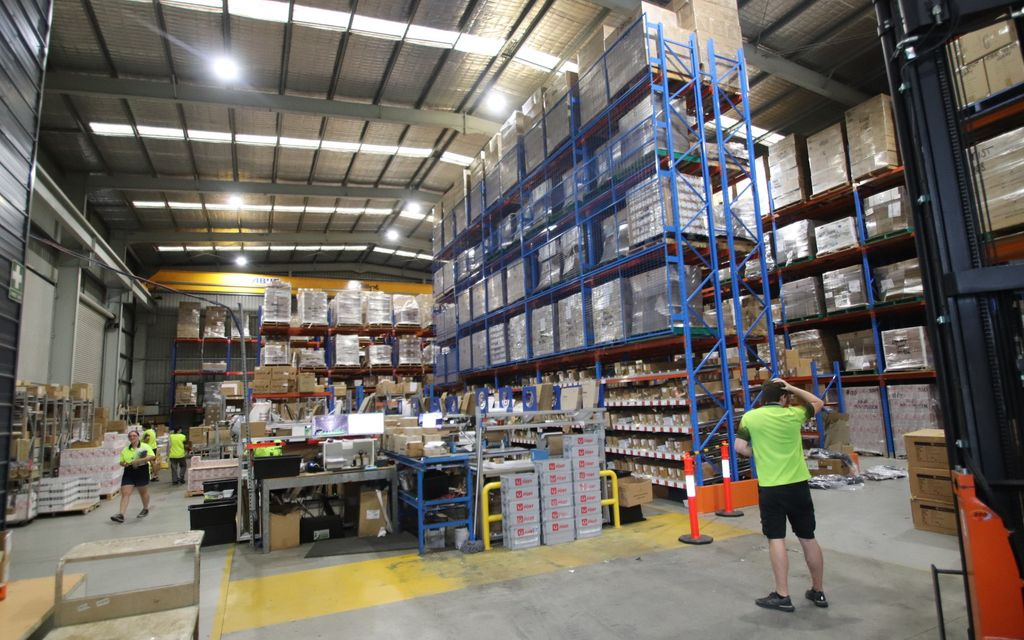 High Clearance Warehouse with Gantry cranes and multiple roller doors