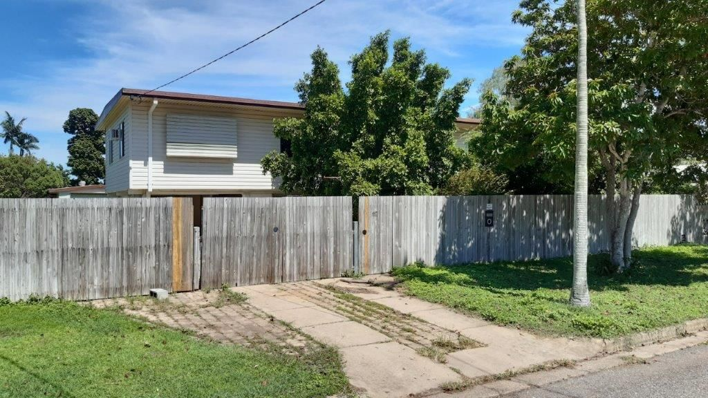 This high set home has a lot to offer being set on an 1012 sqm allotment with room to move.