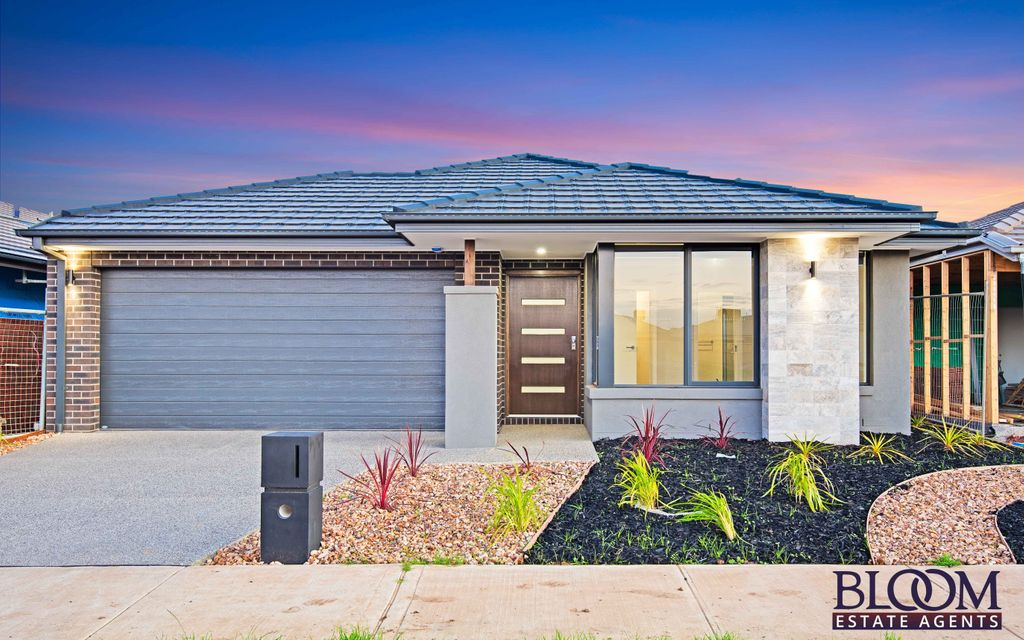 Brand new home which ticks all the boxes !!!