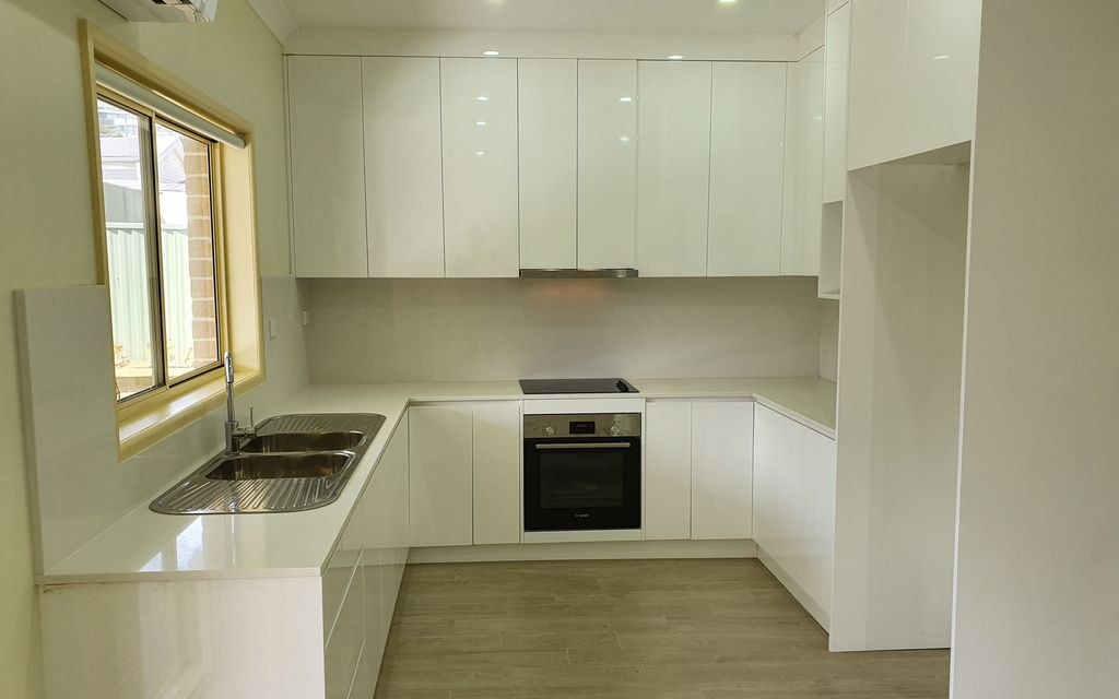 2 BEDROOM GRANNY FLAT AT REAR OF FRONT HOUSE
