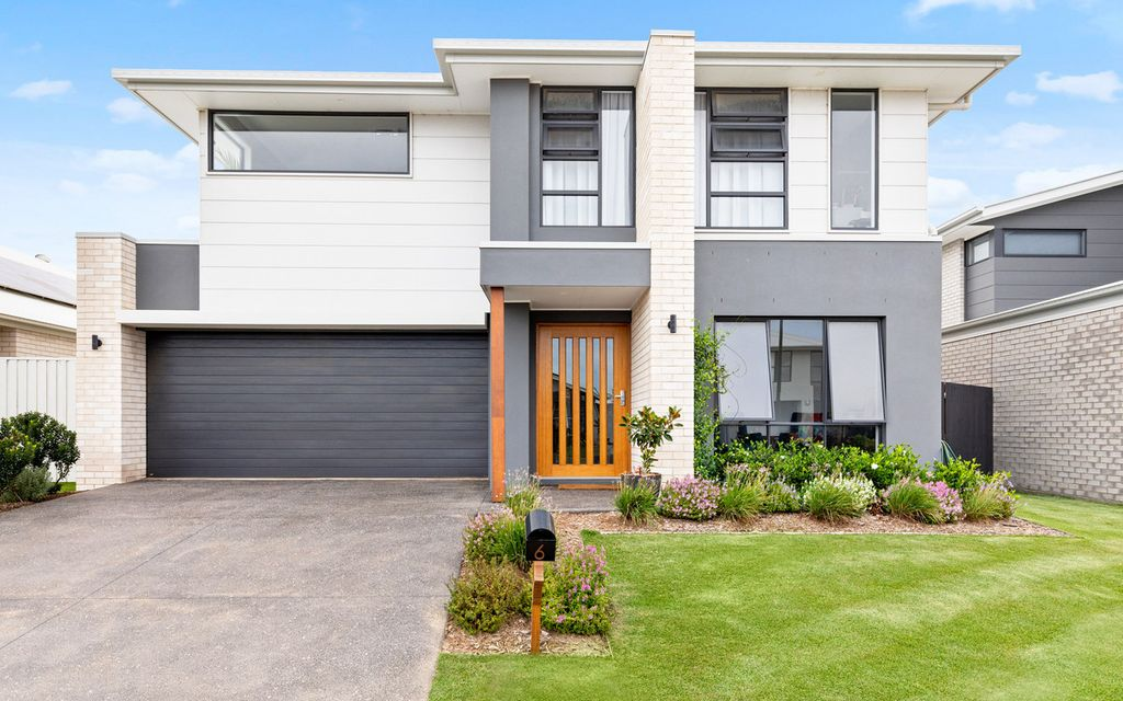 Two storeys of luxury living – fantastic four-bedroom home!