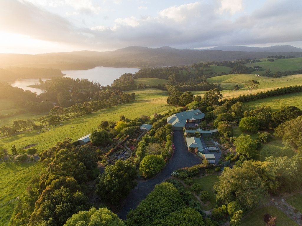 CELESTIAL ESTATE – AN OUTSTANDING LIFESTYLE PROPERTY WITH BREATHTAKING VIEWS & INCOME POTENTIAL