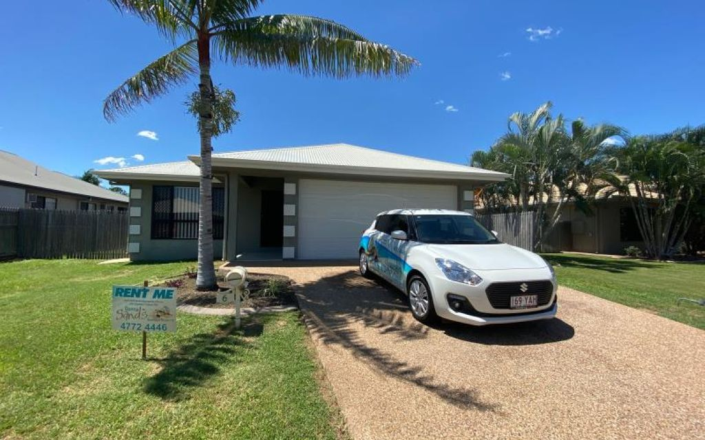 WELL APPOINTED HOME CLOSE TO TOWNSVILLE GOLF COURSE
