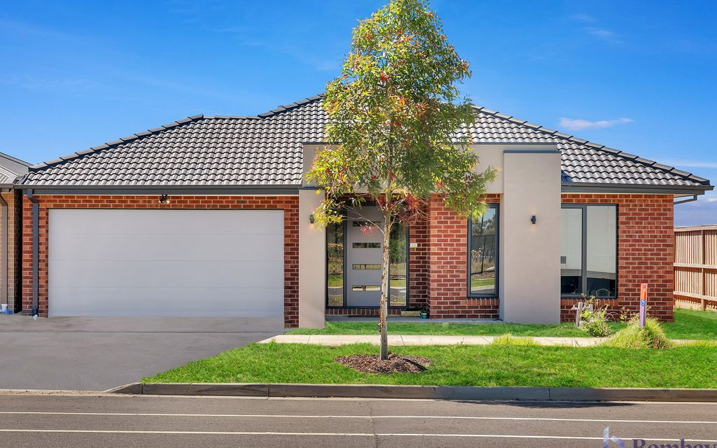 High Quality Almost Brand New Family Home !