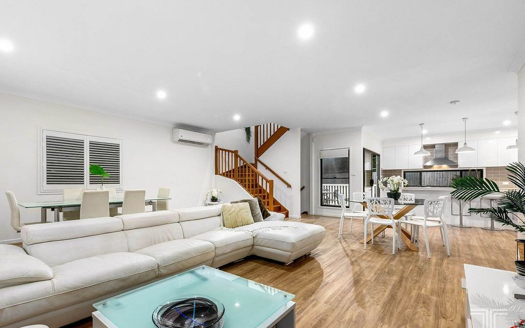 Exquisite Estate Living in the Mansfield High School Catchment