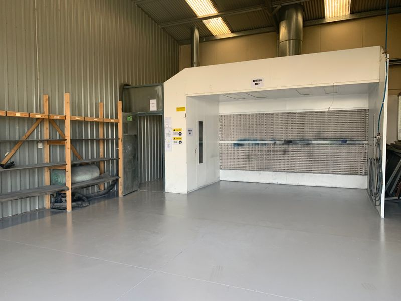 Modern and Secure Sheds/Perfect for Mechanic