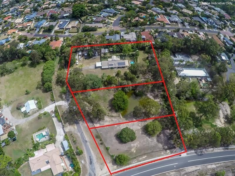 8188m2 OF USEABLE FLAT LAND so close to town