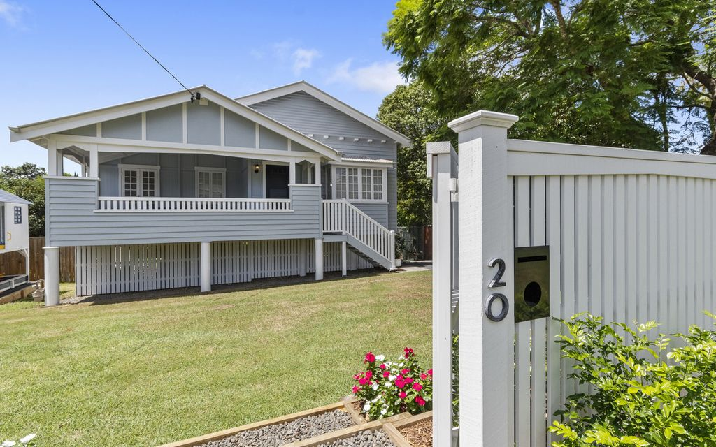 Fully renovated Bungalow in Blue Chip location