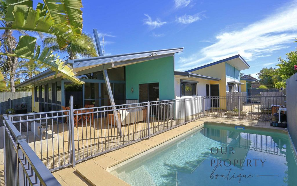 BARGARA LAKES LOCATION, LAKEFRONT PROPERTY, UNIQUE & A MUST INSPECT