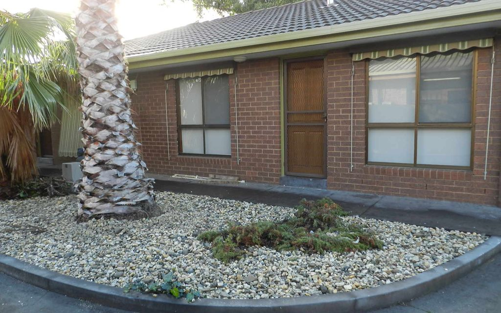 2 BEDROOM UNIT IN CENTRE OF SHEPPARTON