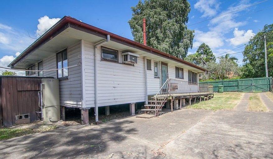 5 bedrooms 3 bathrooms timber home – RENOVATORS DELIGHT