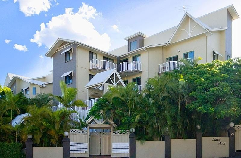 GREAT location and fully furnished inner city unit