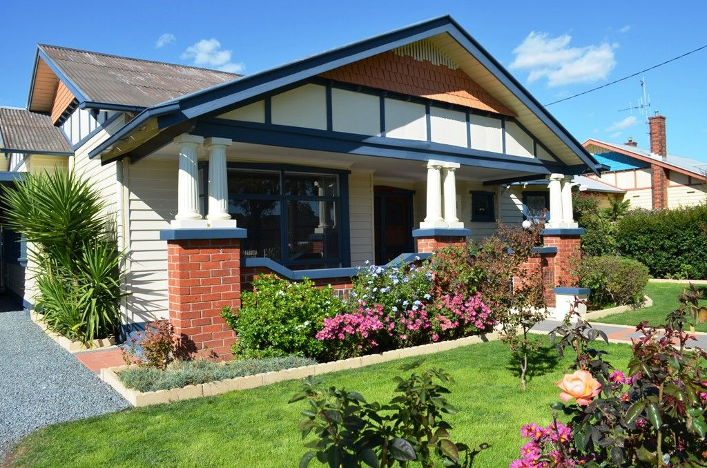 3 BEDROOM HOME IN CENTRAL SHEPPARTON WITH STUNNING GARDEN!