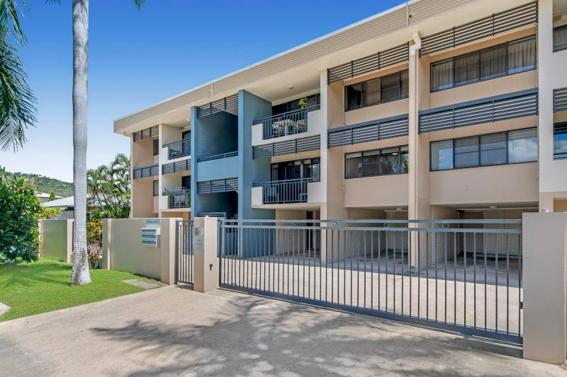 OUTSTANDING LOCATION, JUST A STROLL TO THE BEAUTIFUL STRAND & BEACH.