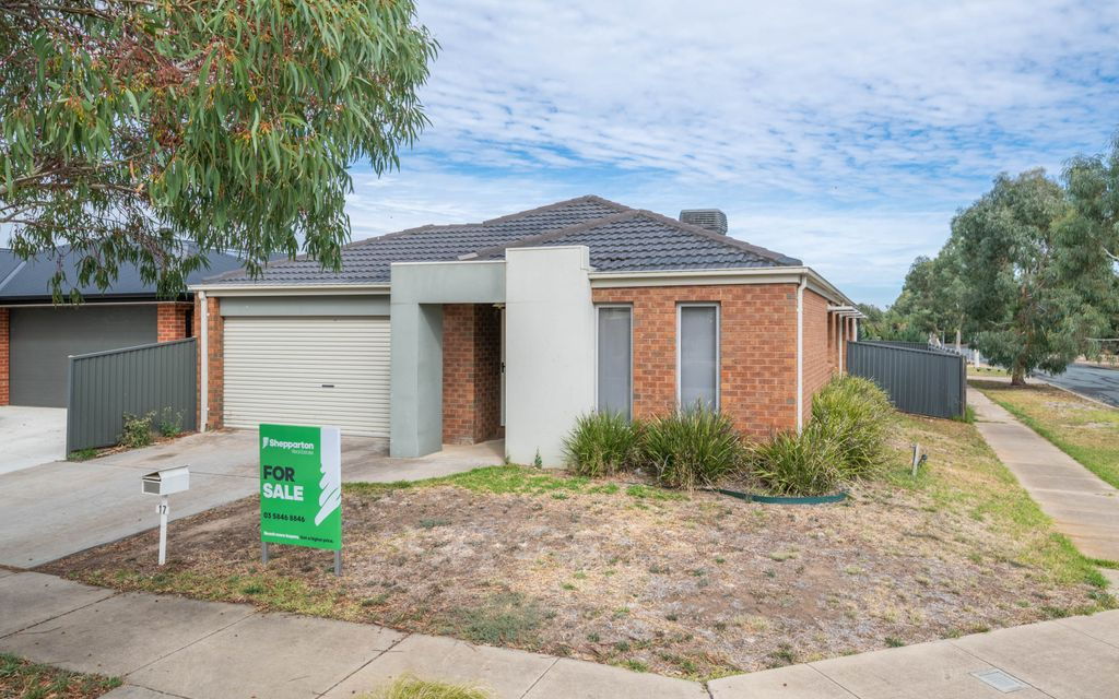 Great North Shepparton Home in Quiet Estate!