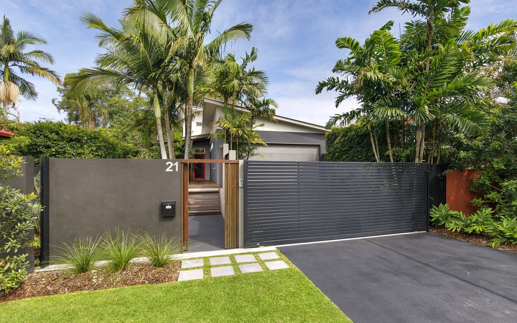 100 metres from Gympie Terrace