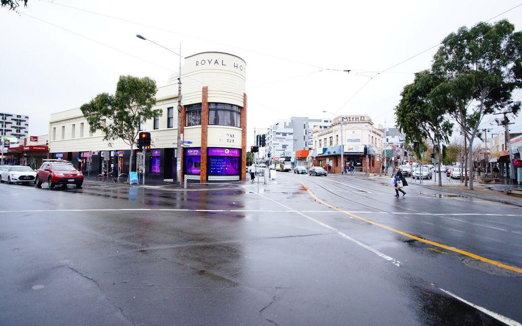 Fantastic apartment in the heart beat of Footscray CBD