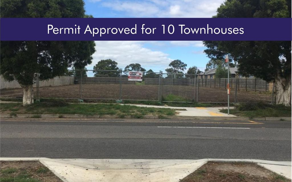 Town planning permit approved for 10 townhouses.
