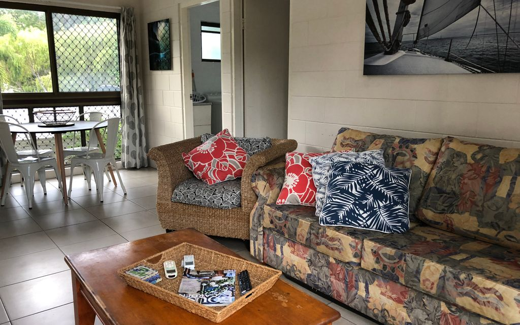 Great Furnished Rental in Beautiful Arcadia – walk to Alma Bay