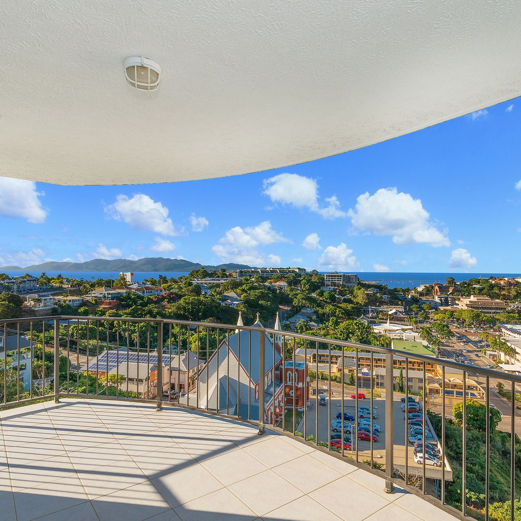 FULLY FURNISHED – STUNNING OCEAN VIEWS FROM EVERY ROOM!