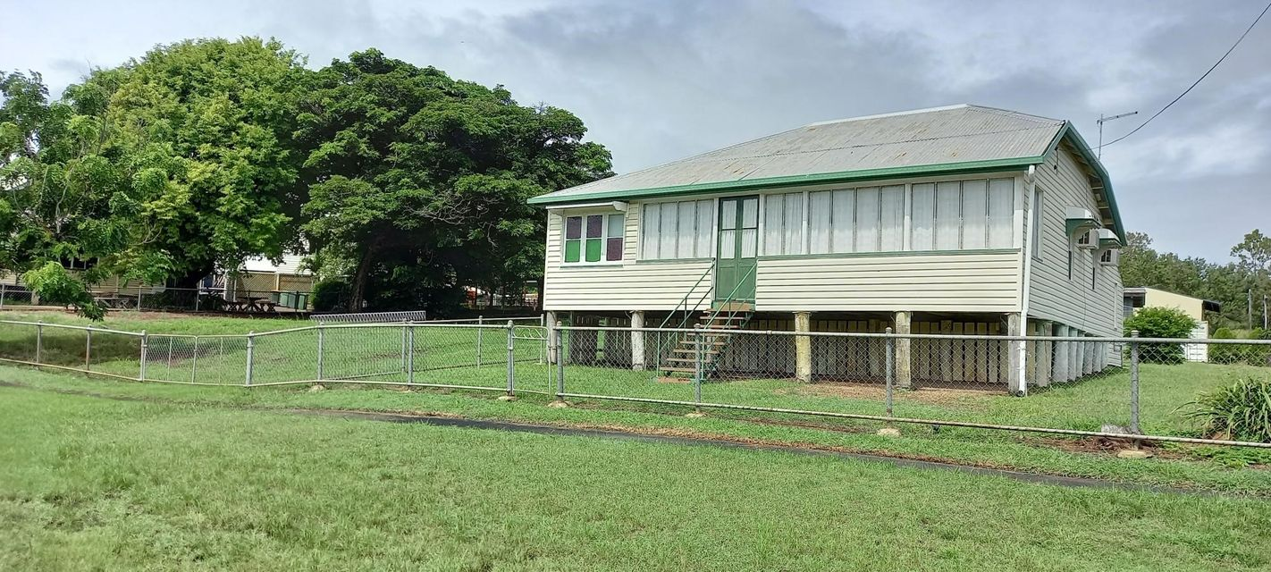 Affordable fixer Upper on 2,023m2 – Reduced $10,000
