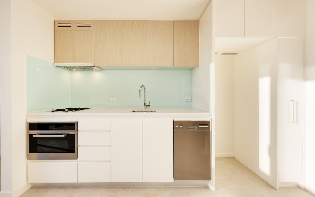 Stylish and convenient access apartment available!!
