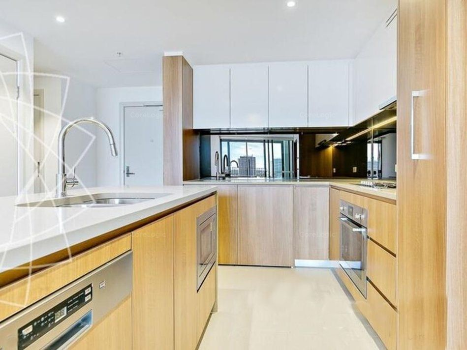 Hight level and east aspect two-bedroom apartment in Wentworth Point available!!