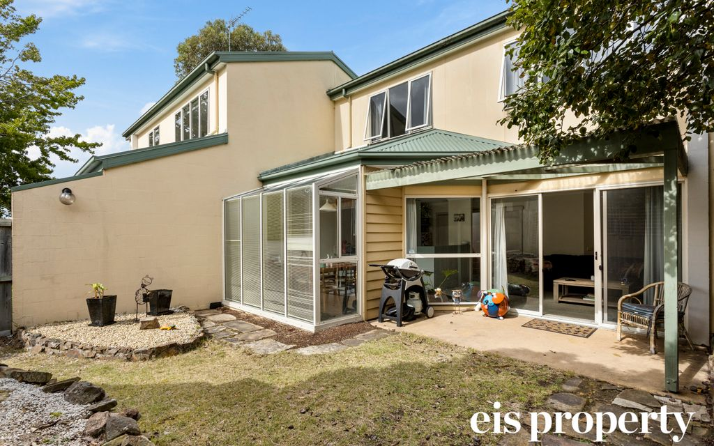 South Hobart – Relaxed and easy care townhouse living
