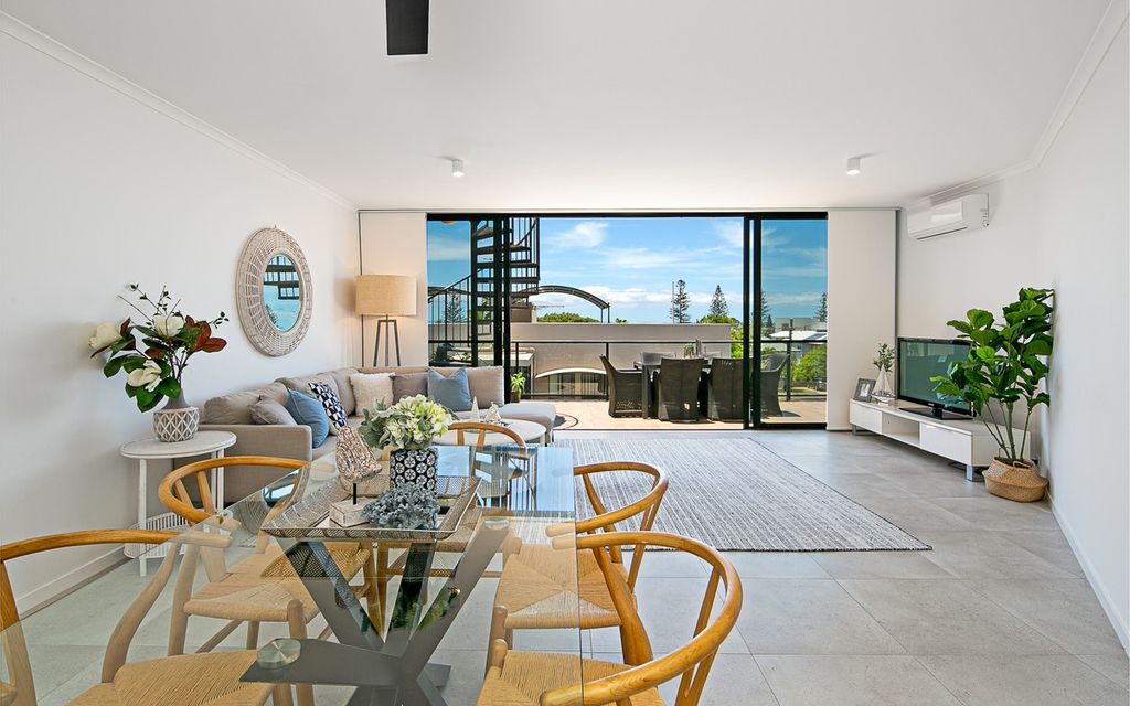 Luxury Lifestyle with Rooftop Terrace & Ocean Views