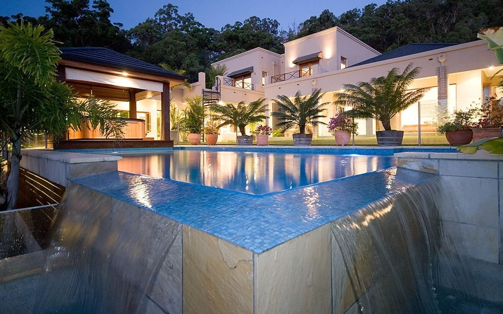 BEAUTIFUL, SECLUDED, ACREAGE MANSION – CURRUMBIN VALLEY, GOLD COAST