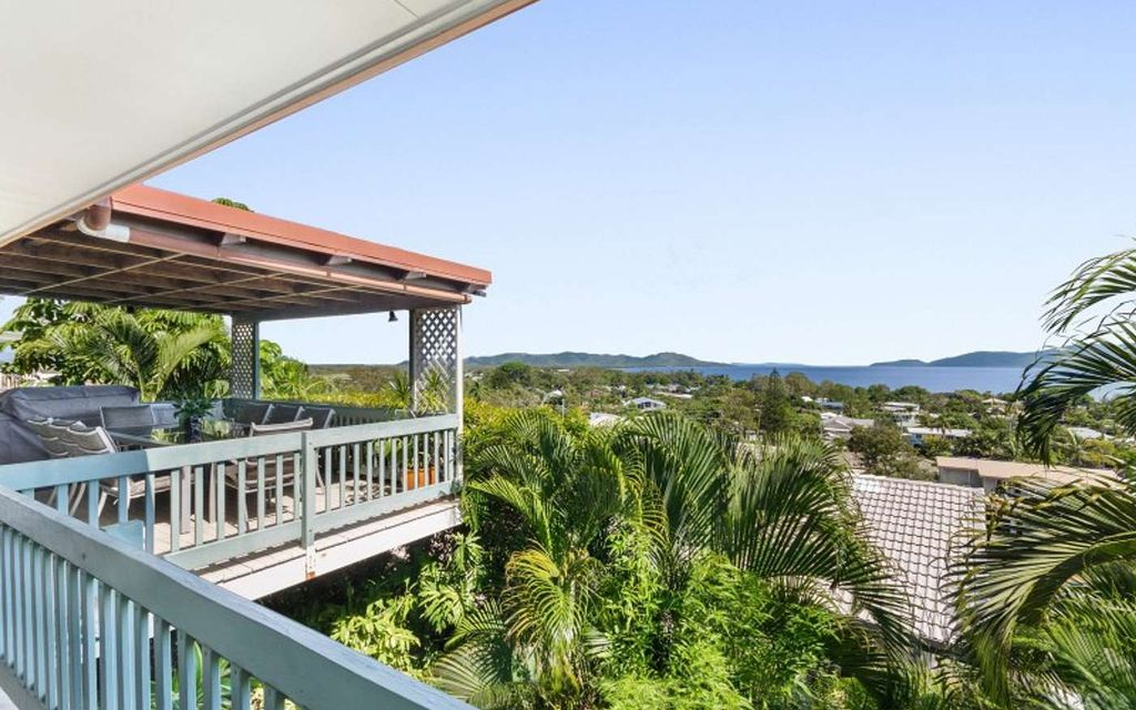 FANTASTIC FAMILY HOME- LOVE THE VIEWS!