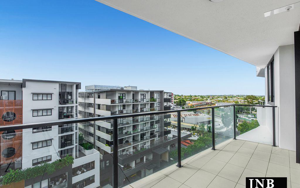 Brand New – Top Floor Living!